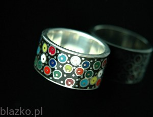 Dotted Barrel Ring