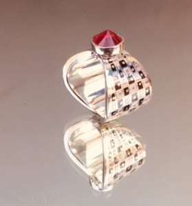 Cap - Chessboard Ring
