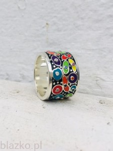 Black Spotty Ring