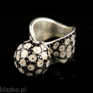 Dotted Big Bombette Ring Classic