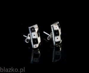 Stakes Earrings - Classic