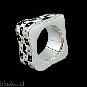 Chess Square Ring