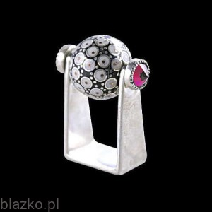 NoName Ball Ring with Crystals